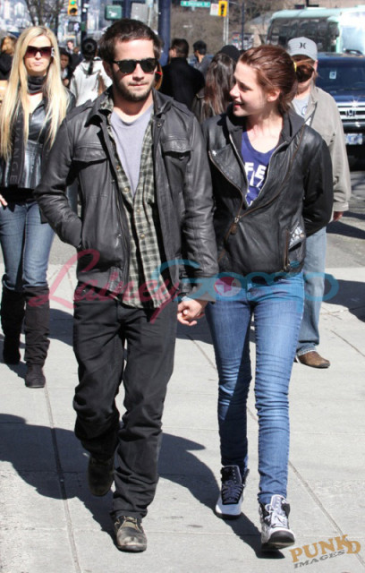 kristen stewart and michael angarano still dating