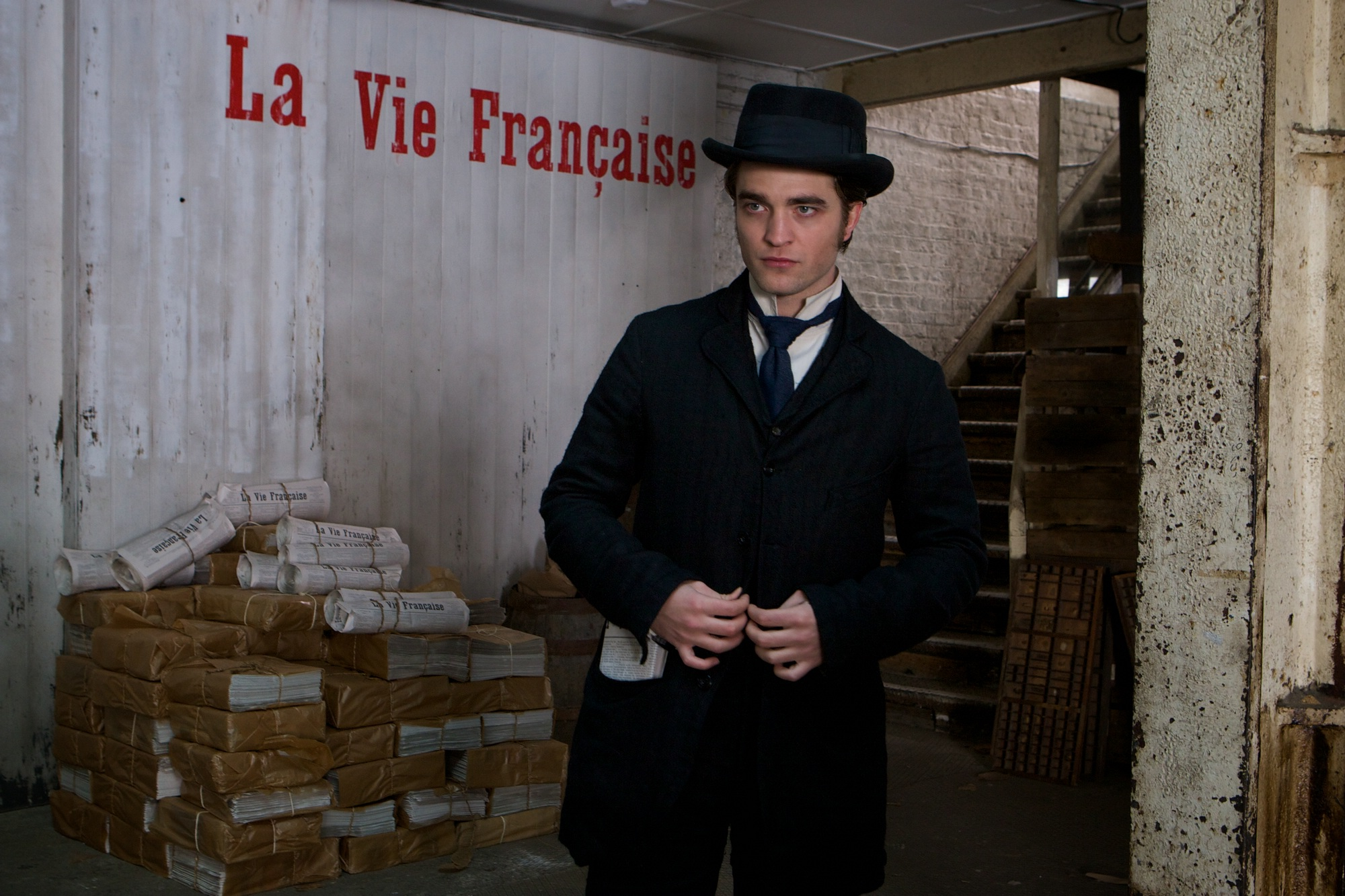 Robert Pattinson, Un Bel Ami à La Mode De Paris