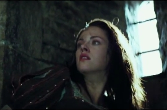 Snow-White-and-the-Huntsman-First-Look[www_savevid_com]_flv_000073273