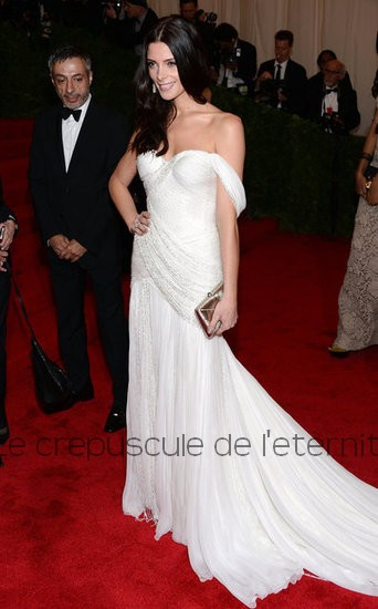 Ashley-Greene-Met-Gala-Pictures-2012